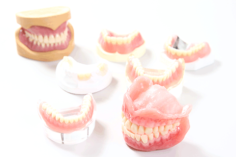 最新の入れ歯紹介